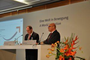 Logistikkongress 2015: Prof. Dr.-Ing. Thomas Wimmer, Vorsitzender, und Prof. Raimund Klinkner, Vorstandsvorsitzende der BVL