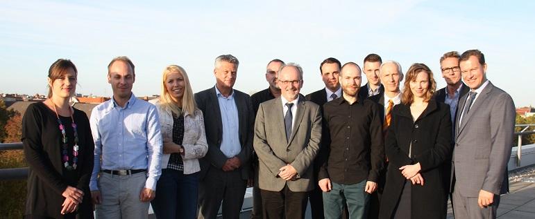 FEEL Real Estate-Forscherteam mit Vertretern der Partnerunternehmen (Bild: HTW)