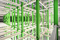 Das Stahlgerüst wird nach der Fertigstellung die Schränke für die Rechner des Green IT Cube tragen./G. Otto, GSI Helmholtzzentrum für Schwerionenforschung