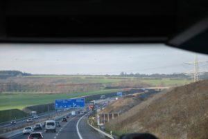 Autobahn: Blick aus Bus
