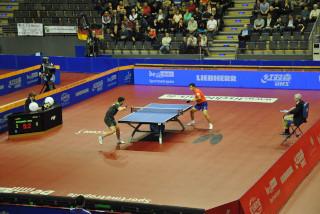 Im Herren-Einzel Achtelfinale konnte Dimitrij Ovtcharov gegen Tang Peng (HKG) noch mit 4:0 Sätzen überzeugen. Gegen den Turniersieger Ma Long aus China musste er sich aber geschlagen geben.