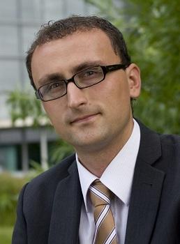 flexhelp-Gründer Tobias Loitsch will Unternehmen mit Social Media-Schulungen vor Ort unterstützen.
