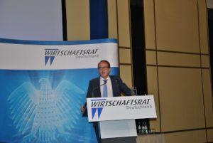 Wirtschaftstag 2016 Europa in der Zeitenwende Europa. Forum Mobilität 4.0: Alexander Dobrindt, Bundesminister für Verkehr und digitale Infrastruktur, sieht Deutschland als internationalen Technologietreiber und verlangt mehr digitales Selbstbewußtsein.
