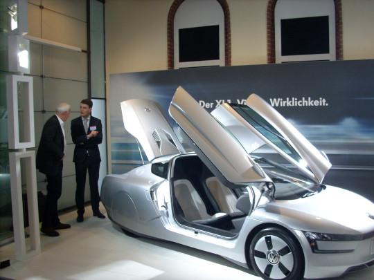 Wie alle Elektromobile benötigt auch der VW mit dem XL1 als Hybridfahrzeug moderne Speichertechnik.