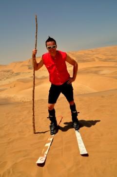 Zella-Mehliser Schnee- und Wüstenprofi Henrik May: Testpilot in der Namib-Wüste für den  weltersten Sandrodelschlitten aus Thüringen