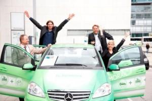"ÖBB-Projekt ""eMORAIL"" gewinnt VCÖ-Mobilitätspreis: Siegerteam v.l.n.r. Walter Slupetzky (Projektleiter-Stv.), Florian Kerschbaumer (Projektbetreuer NÖ-Süd), Rainer Leitner (Projektbetreuer NÖ-Süd), Nicole Stroj (Projektleiterin, ÖBB) / Bild: create.at"