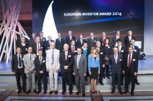 Sieger und Finalisten Winners für den  European Inventor Award 2014 mit EPO President Benoît Battistelli